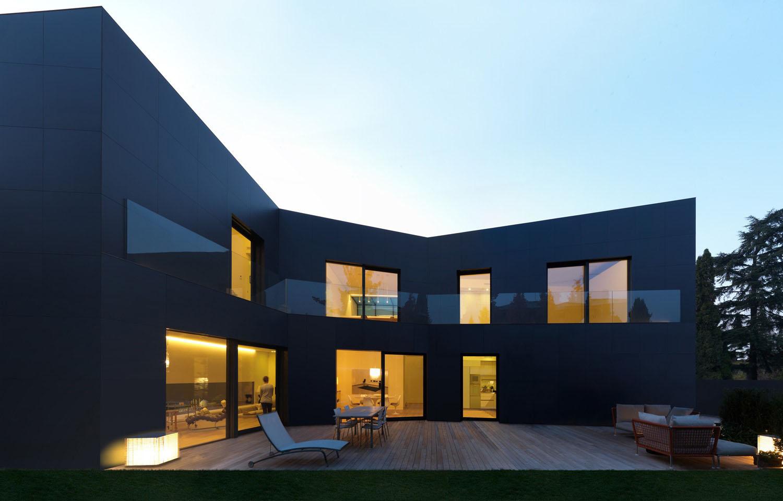 Дом на две семьи в Италии