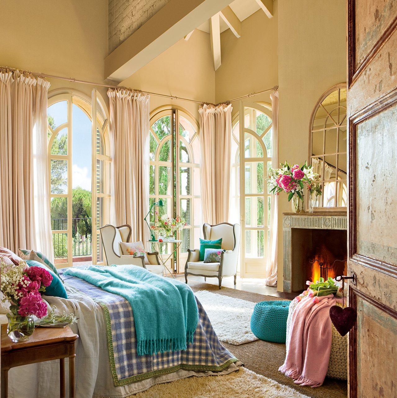 Прекрасна світла спальня від Едуардо Аггура