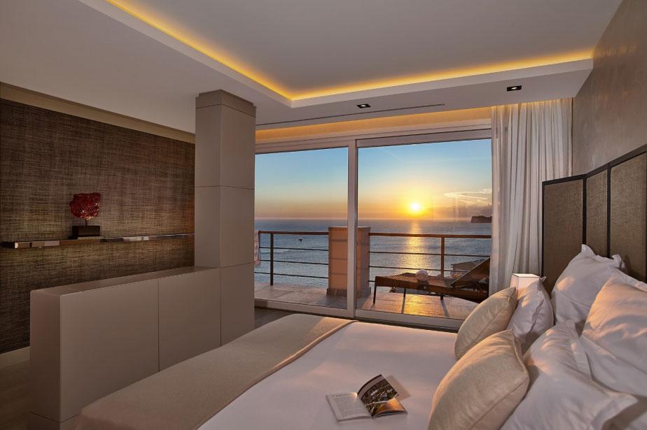 Элегантная вилла с захватывающим видом на море