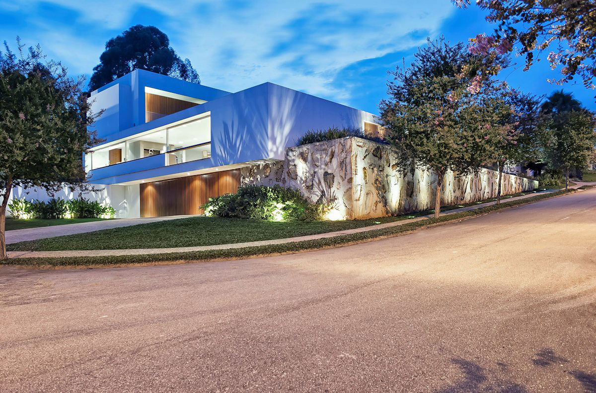 Городская резиденция от Marcelo-13