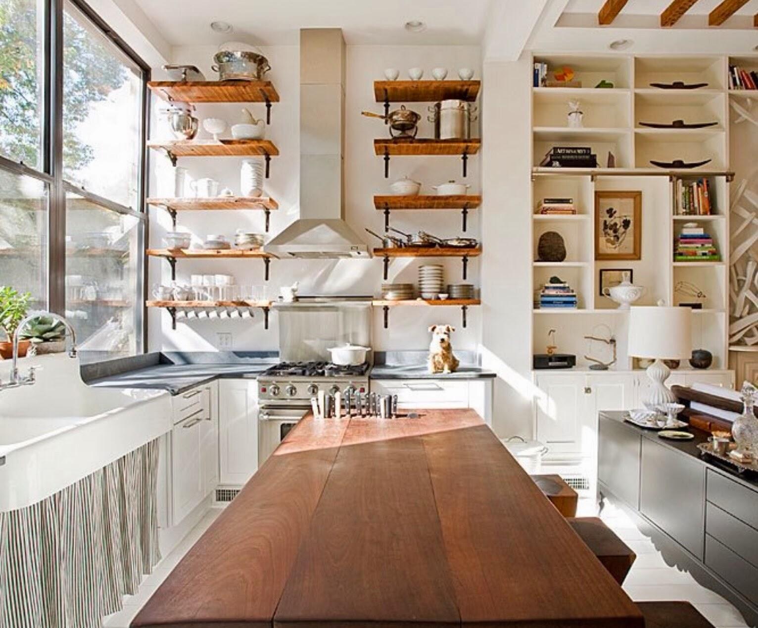 деревянные полочки на кухне