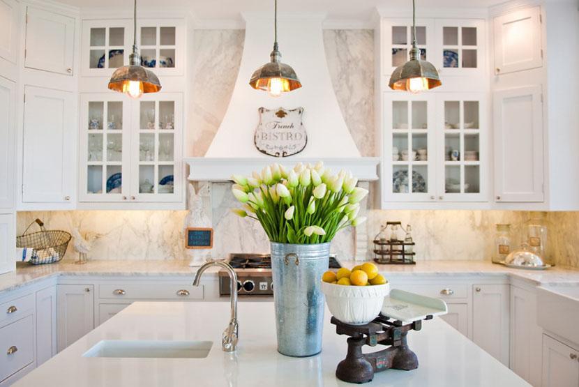 Французская кухня с видом на море