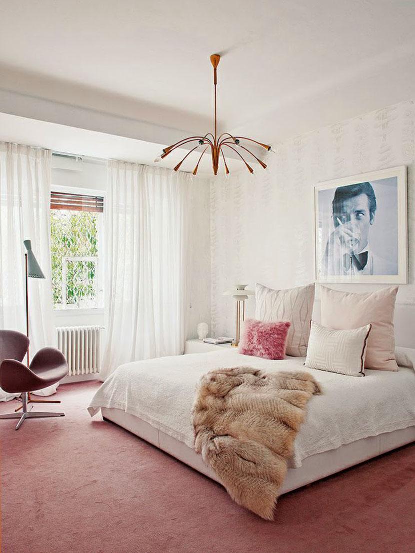 Нежная испанская спальня
