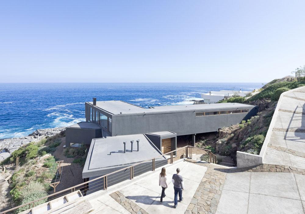 Минималистичный дом с видом на море