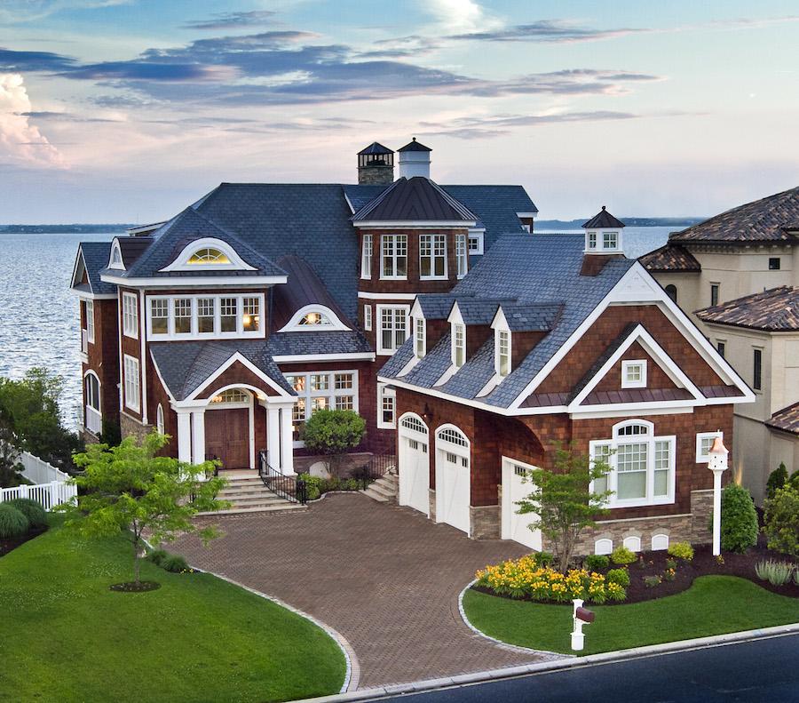 Изысканный дом с видом на гавань