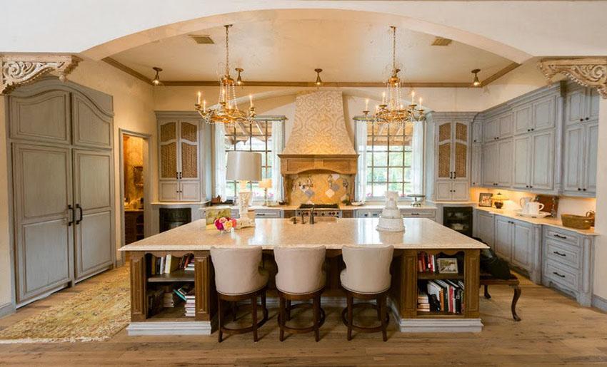 Классические люстры на кухне