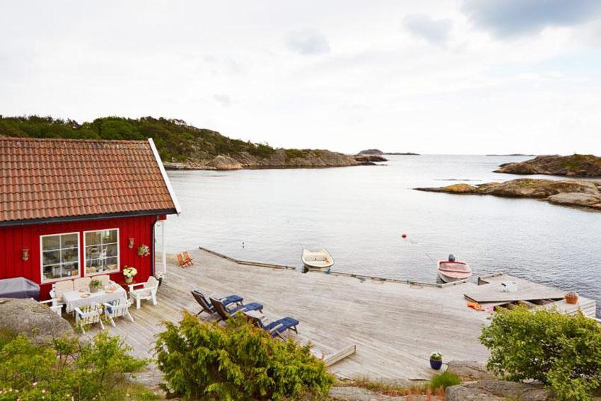 Завораживающие виды и небольшой домик на берегу