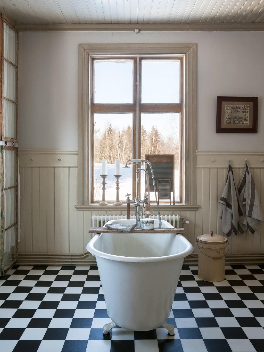 черно белая плитка в ванной