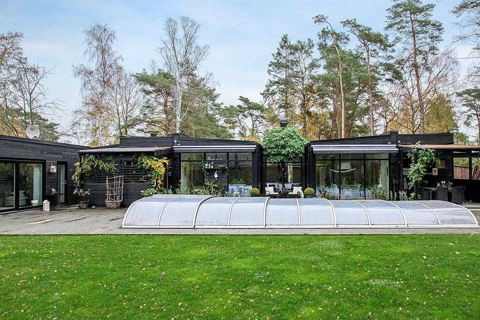 Дом с красивой террасой в Швеции