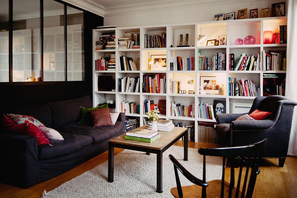 Маленькая квартира в центре Парижа