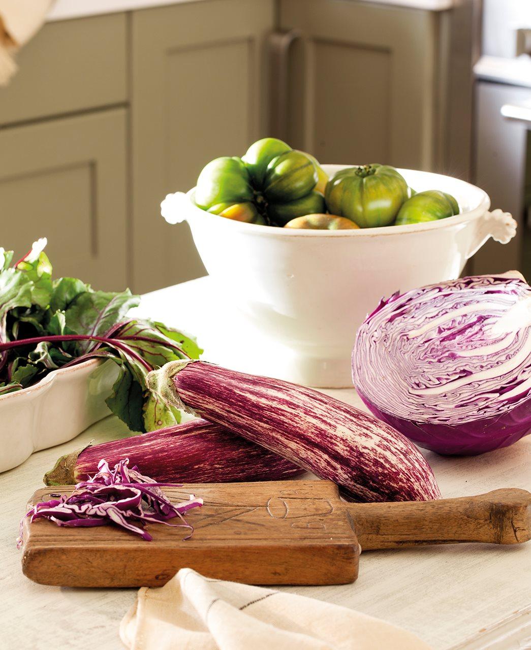 овощи на кухоном столе