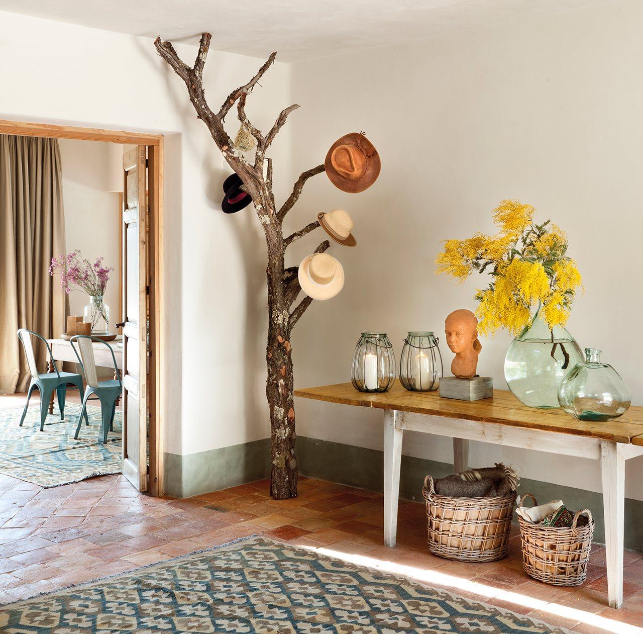 вешалка для одежды дерево