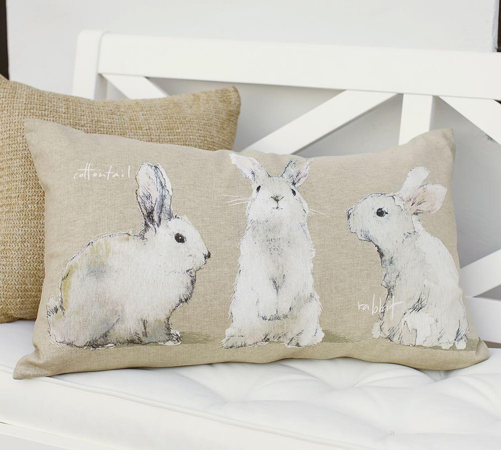 подушка с зайцами