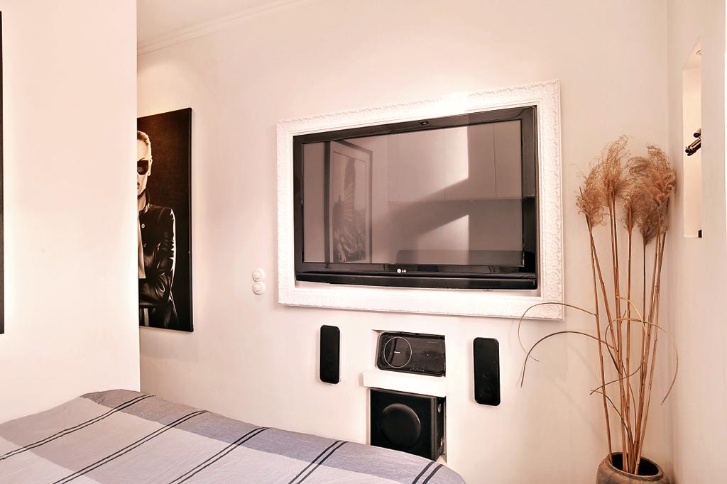 телевизор в спальни