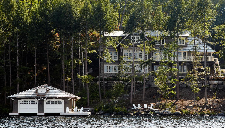 Просторный дом на озере Маскока