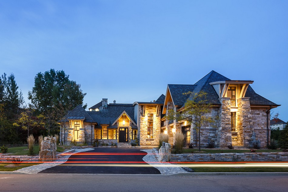 каменный дом в Канаде