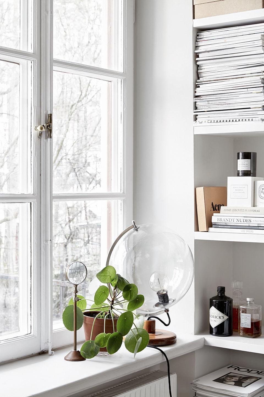 белое окно фото