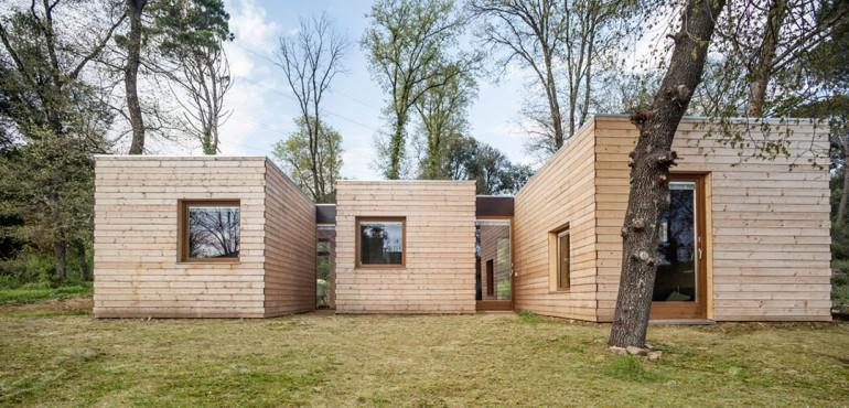 Деревянный дом в стиле минимализм