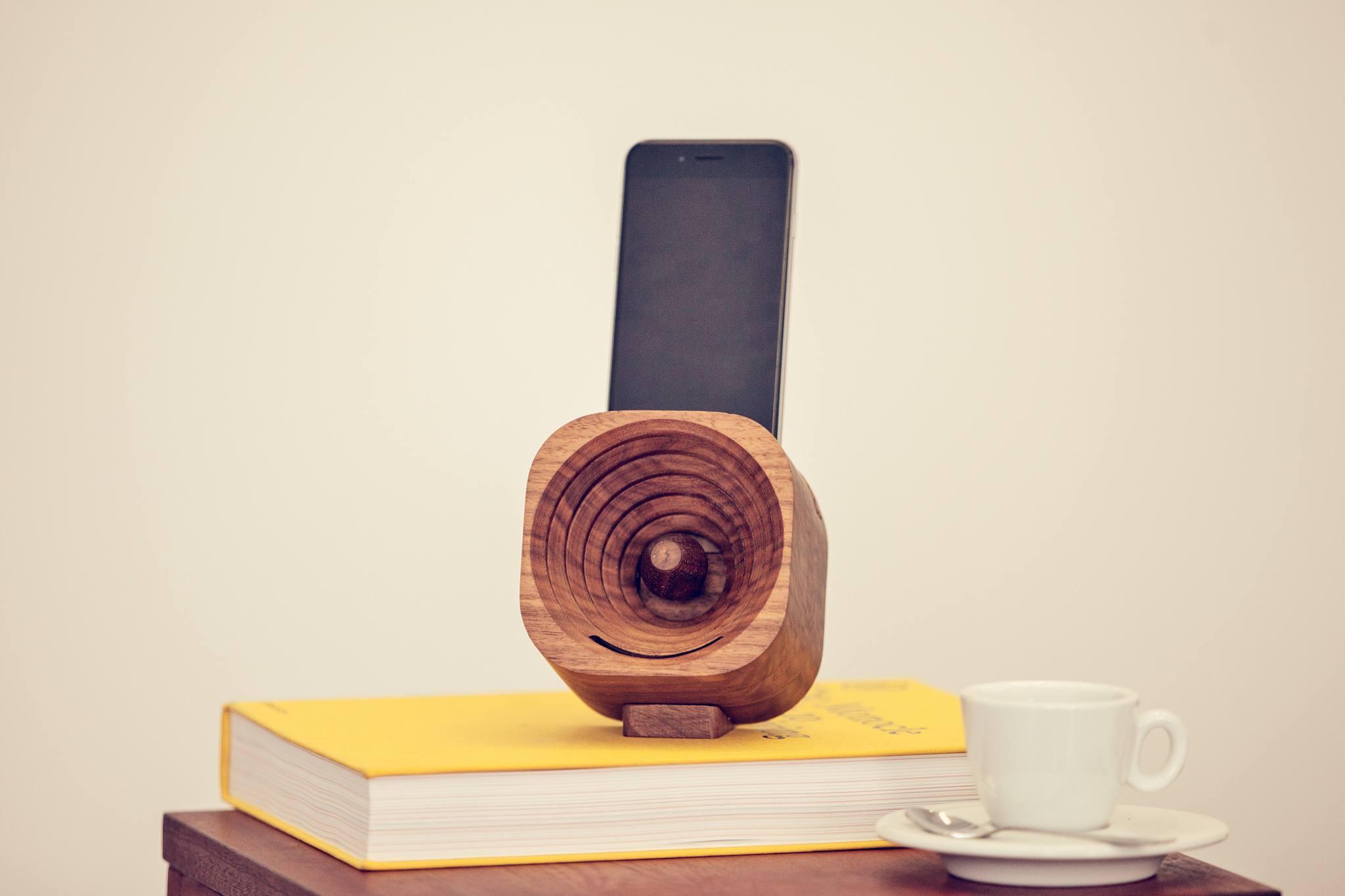 деревянный динамик