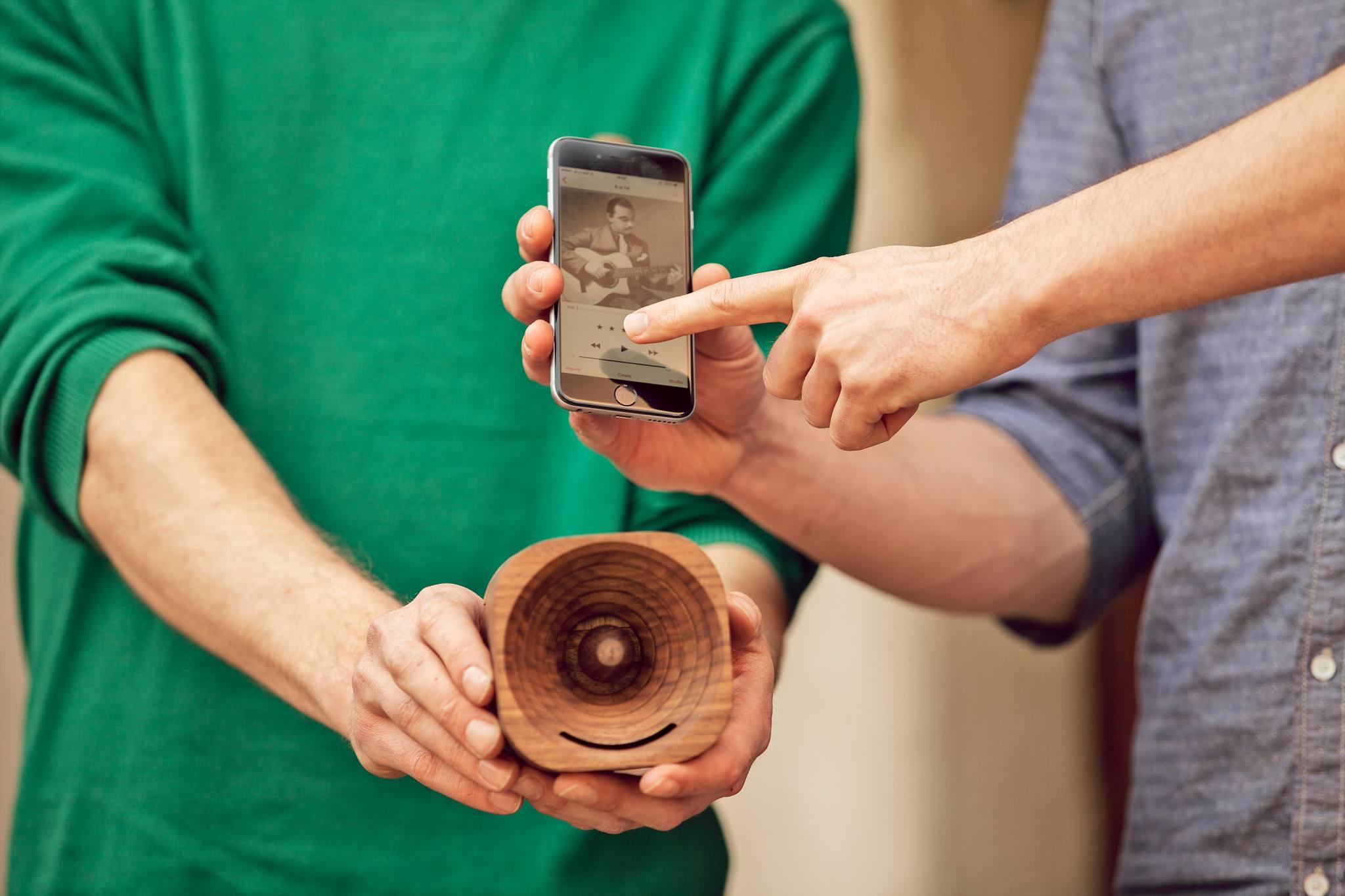 деревянный динамик фото