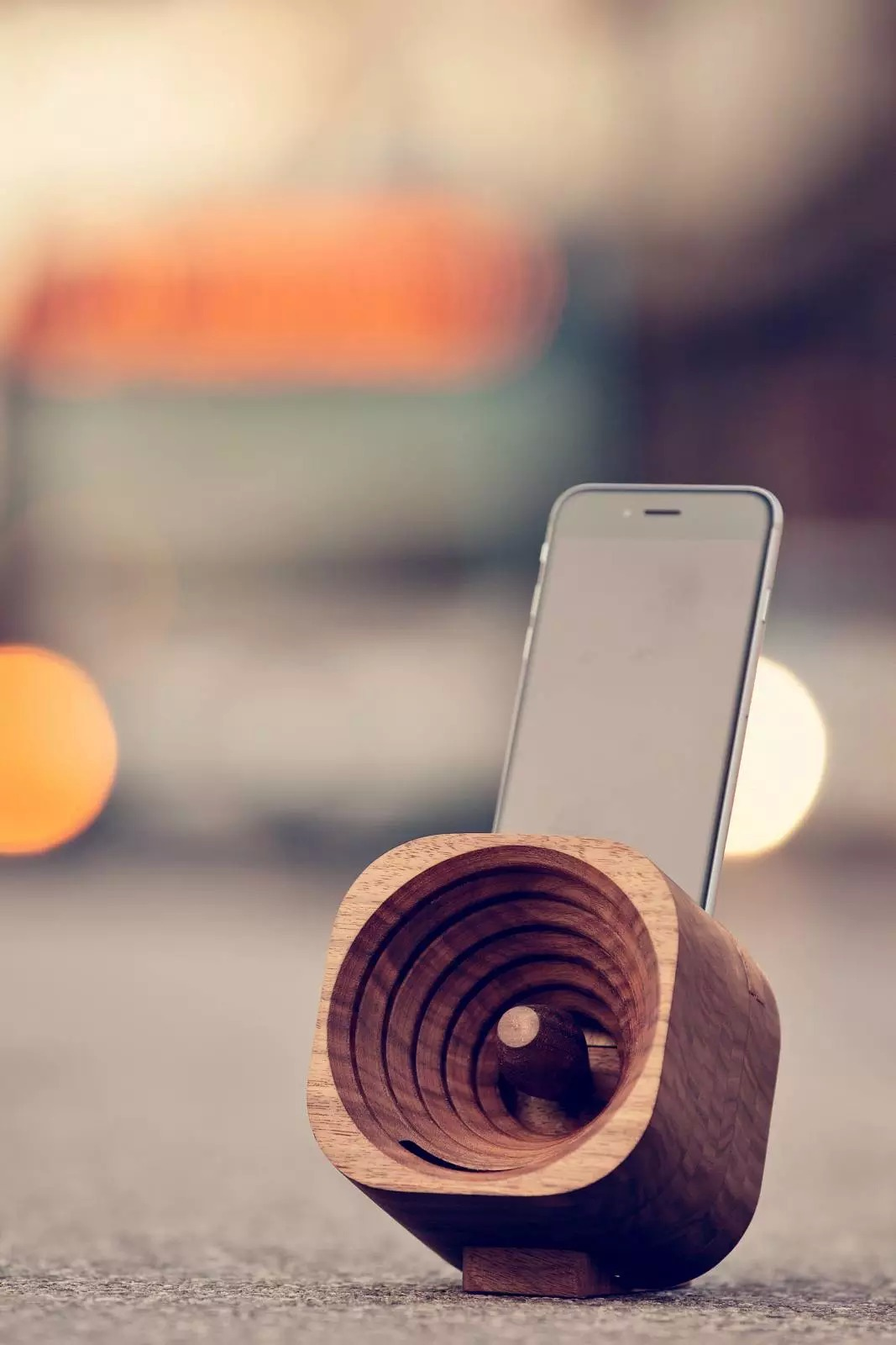 деревянная акустическая колонка фото