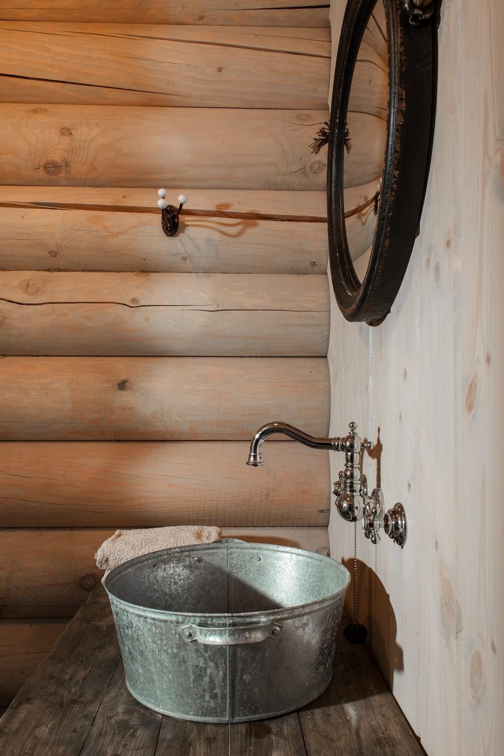 дизайн ванной комнаты в деревянном доме фото