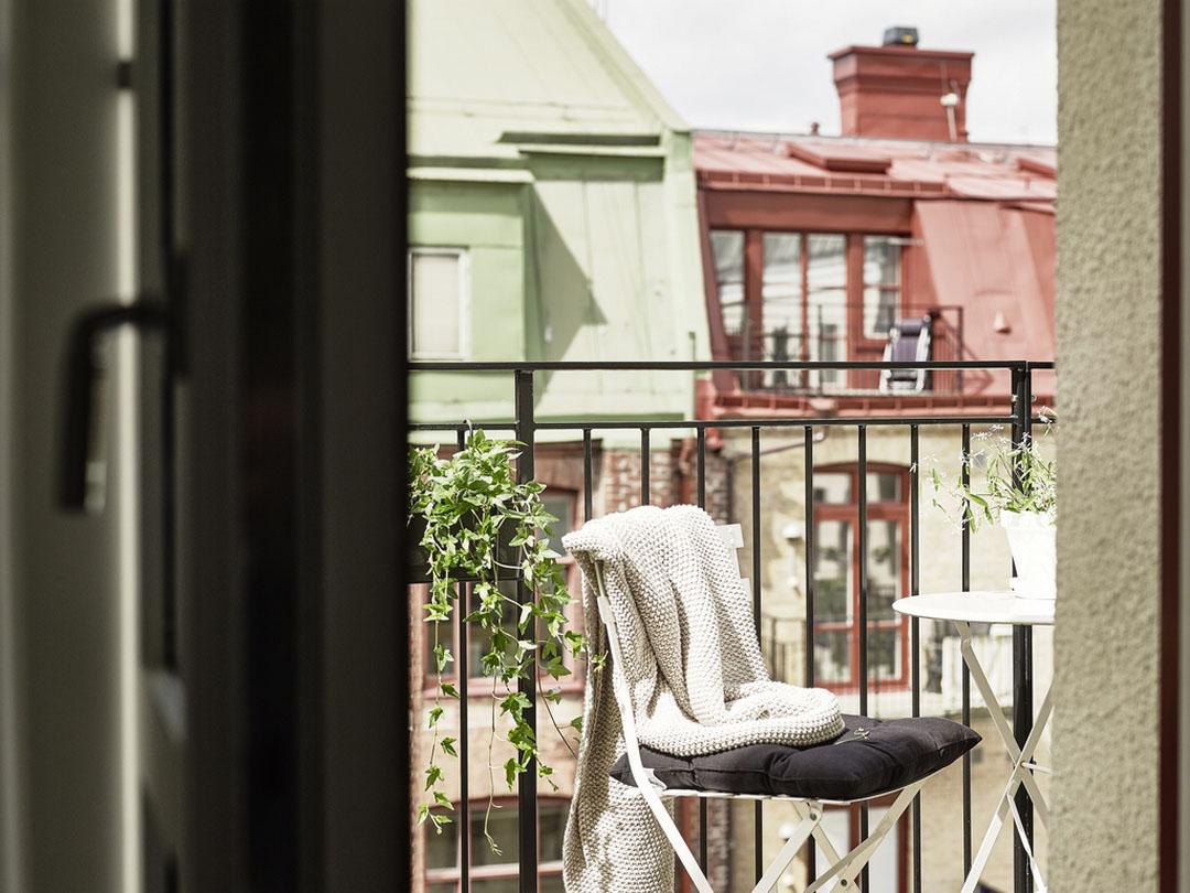 картинки в одеяле на балконе менеджеры