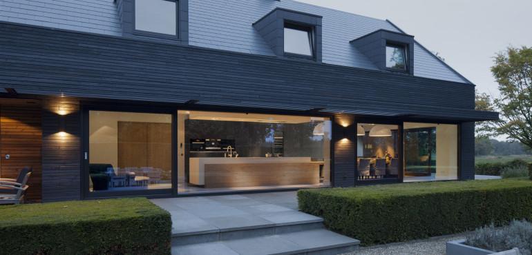 Стильный черный дом из Голландии