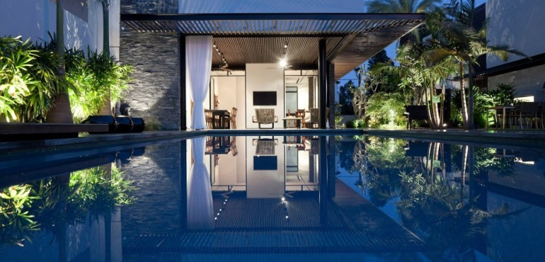 Стильный интерьер современного дома