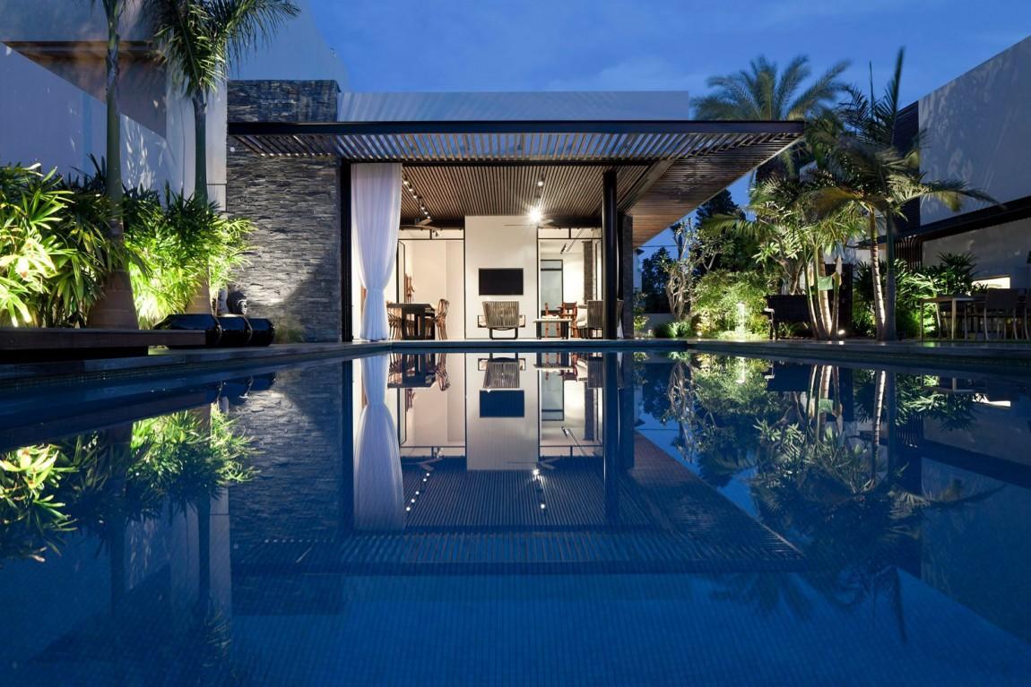 Красивый и стильный интерьер современного дома