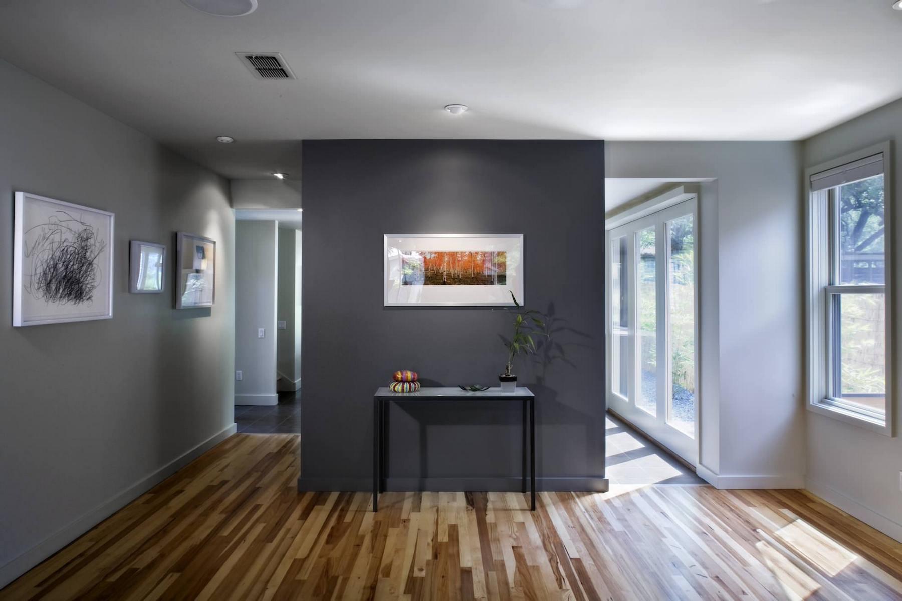 Дизайн дома в сером цвете