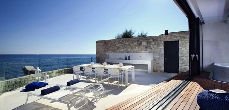 Роскошный дом на побережье