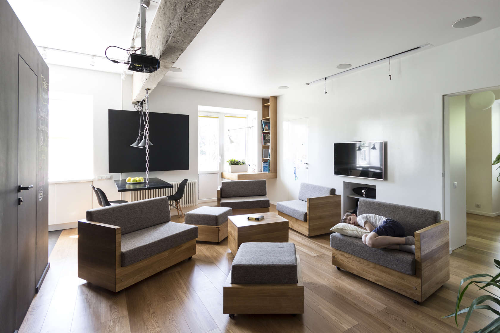 Studio Apartment Separation: Nyc studio apartment living ...