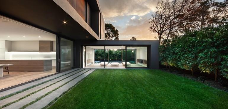 Черный дом из Австралии