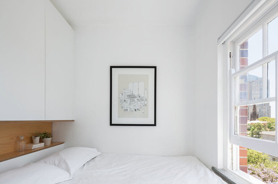 Интерьер очень маленькой спальни 6 кв.м фото