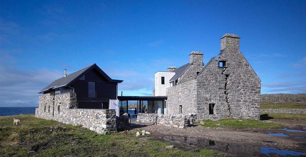Каменный дом на старых руинах из Шотландии
