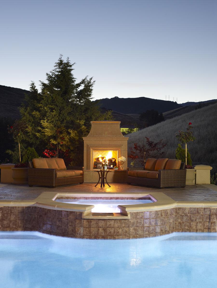 Камины в саду: романтика + отдых