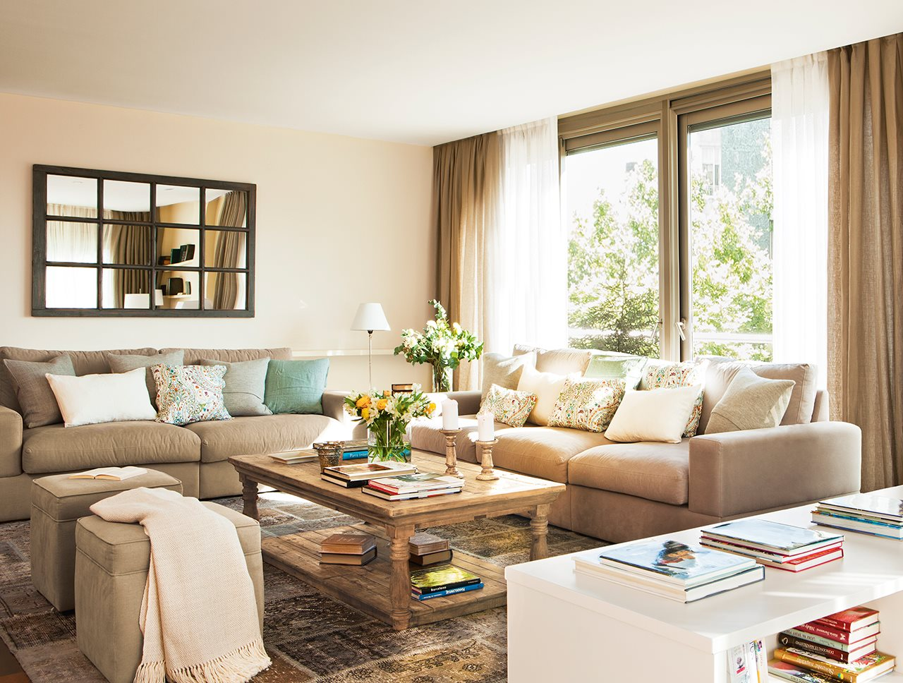 Солнечная испанская квартира для большой семьи