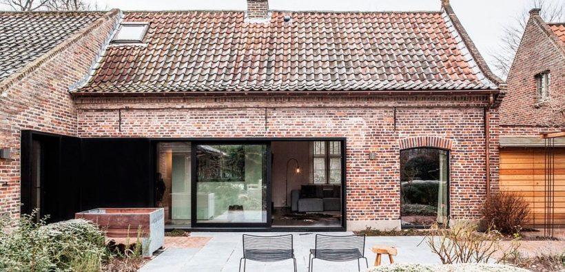 Современный дом в старой ферме от Juma Architects
