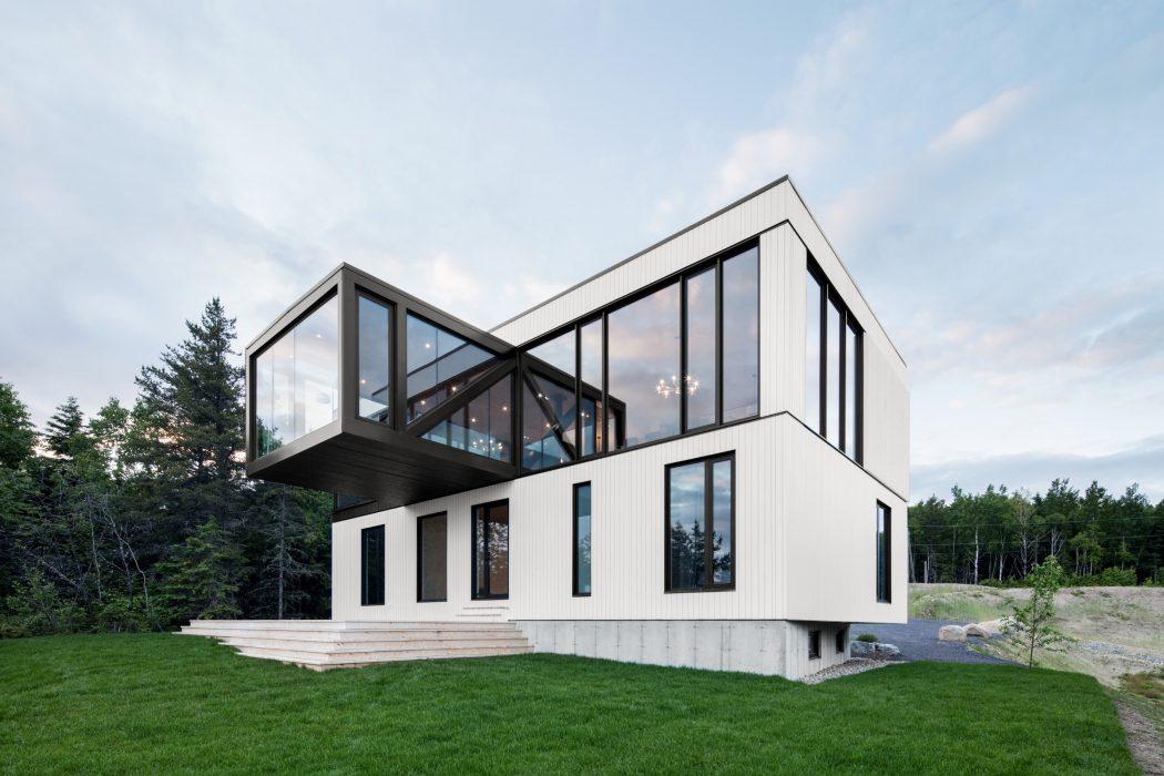Черно-белый дом из Ла-Мальбе, в котором хочется мечтать