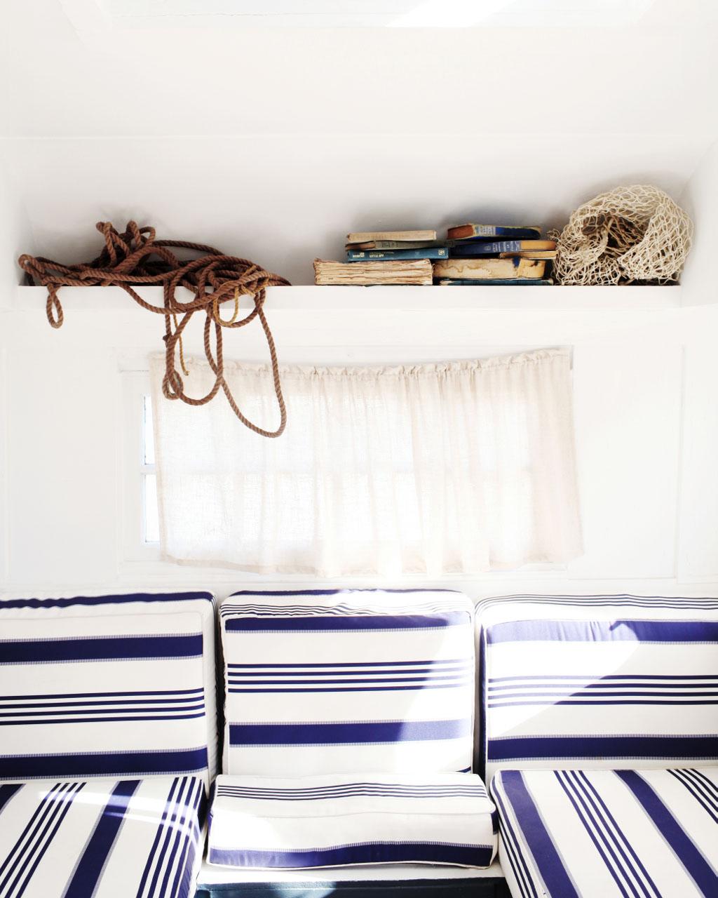 мебель в винтажном стиле