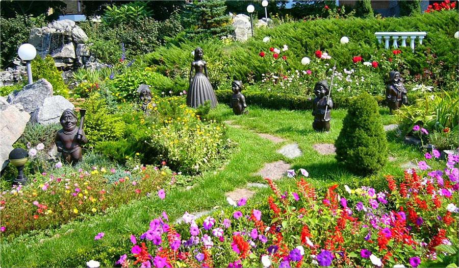 квітники біля дому