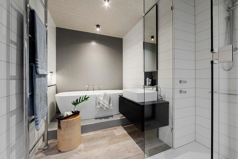 Потолок в ванной: топ 6 вариантов
