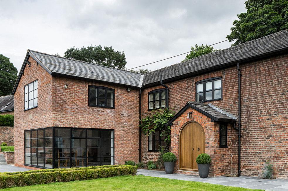 Кирпичный дом с элегантным дизайном