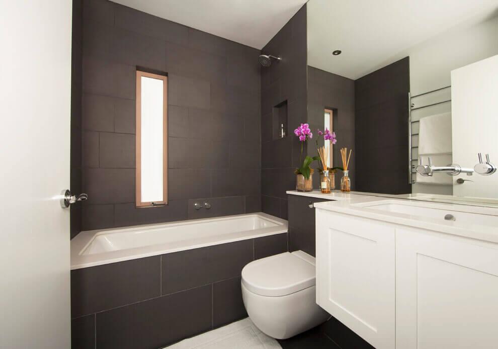 ванная в темном цвете