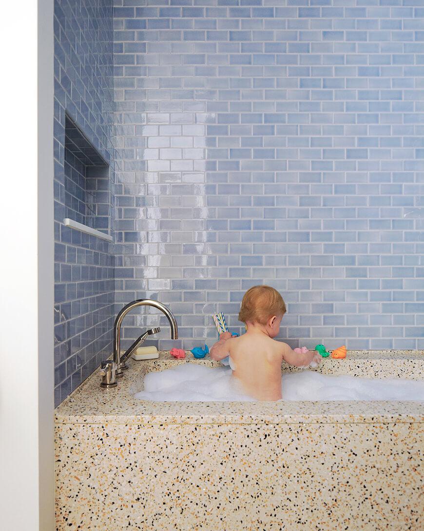 маленькая плитка в ванной