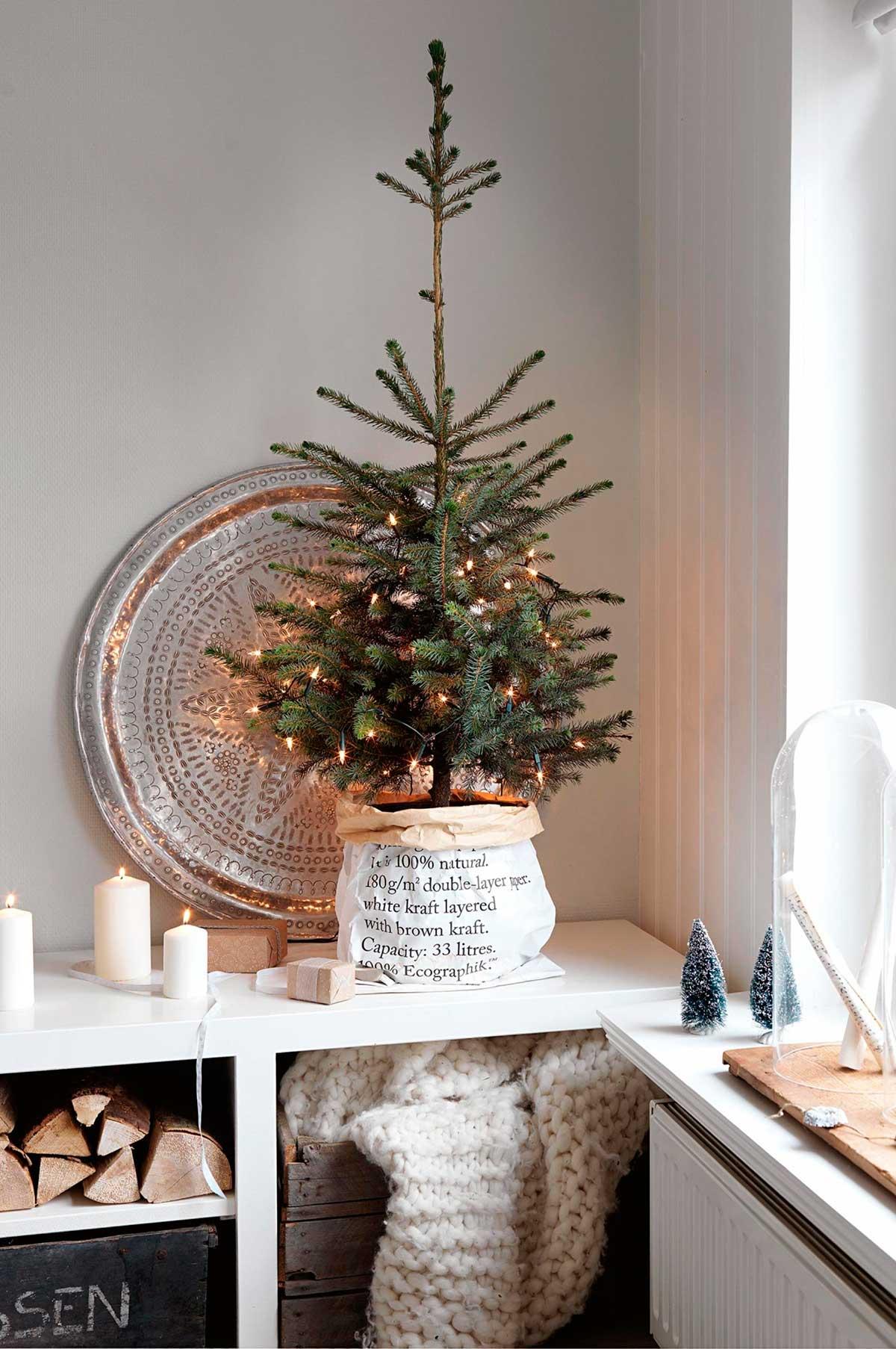 как украсить маленькую елку