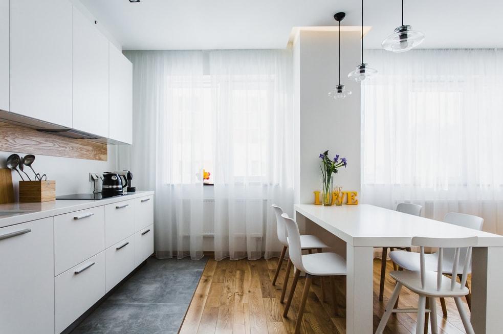 дизайн гостинной совмещенной с кухней