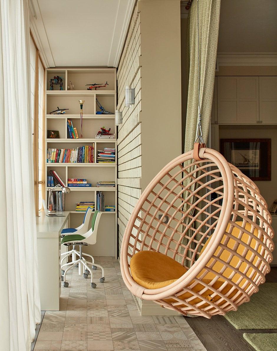 офис на балконе
