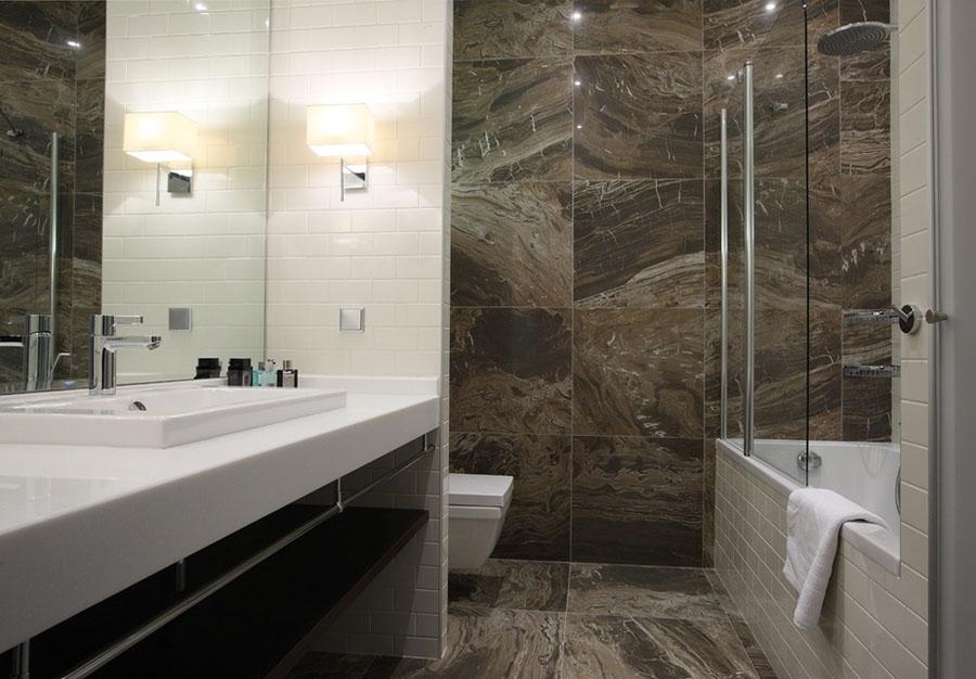 ванная с камнем